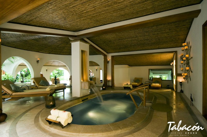tabacon_spa_jacuzzi.jpg